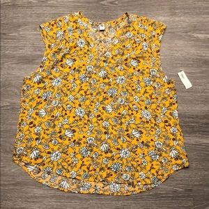 NWT Old Navy Floral Flowy Tank